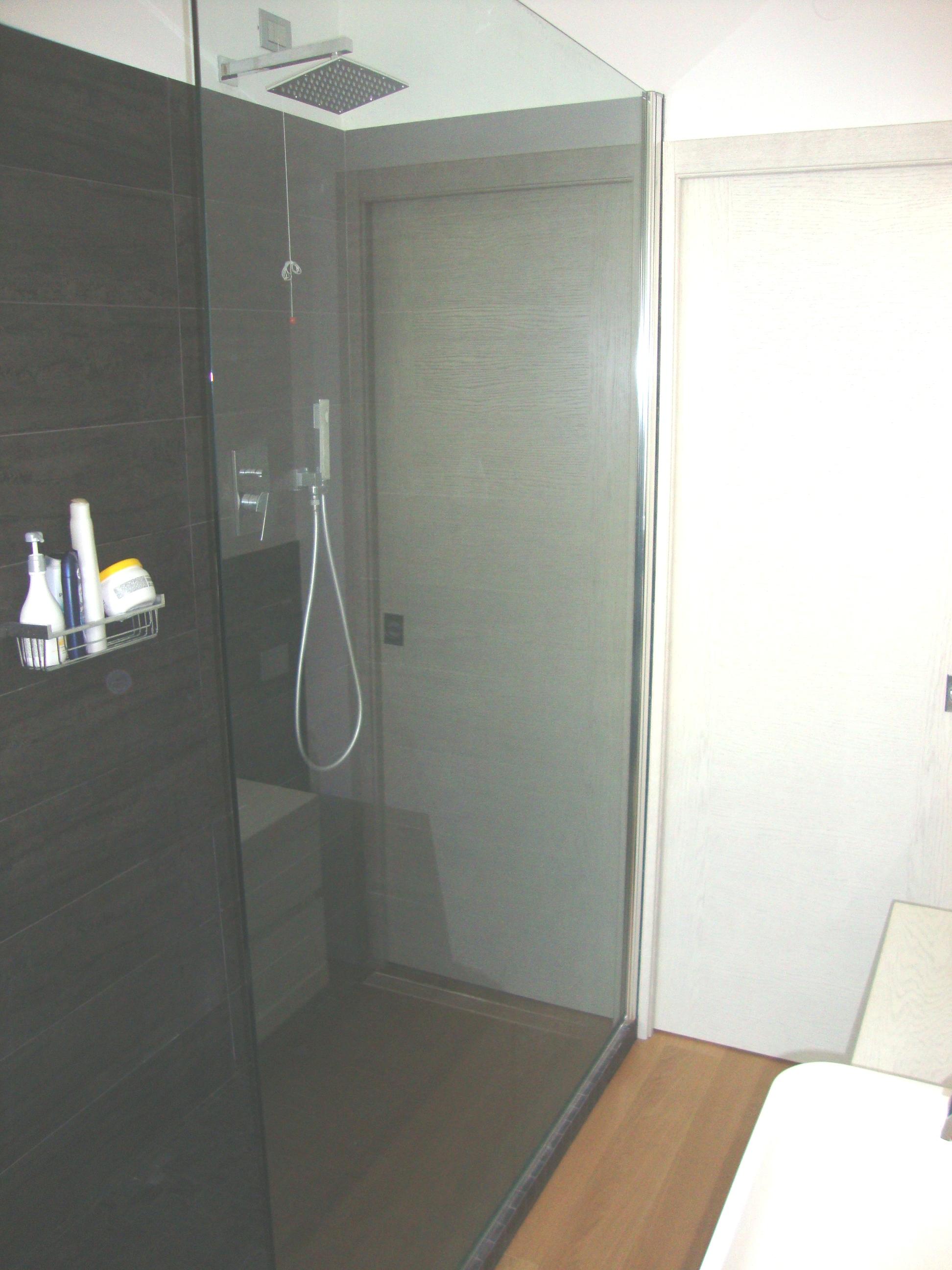 Edilizia residenziale - Bagno internazionale cesenatico ...